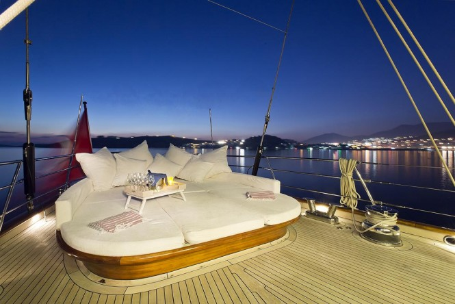 Yacht REGINA - Aft Deck
